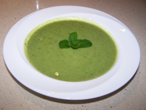 Minted pea & spinach soup